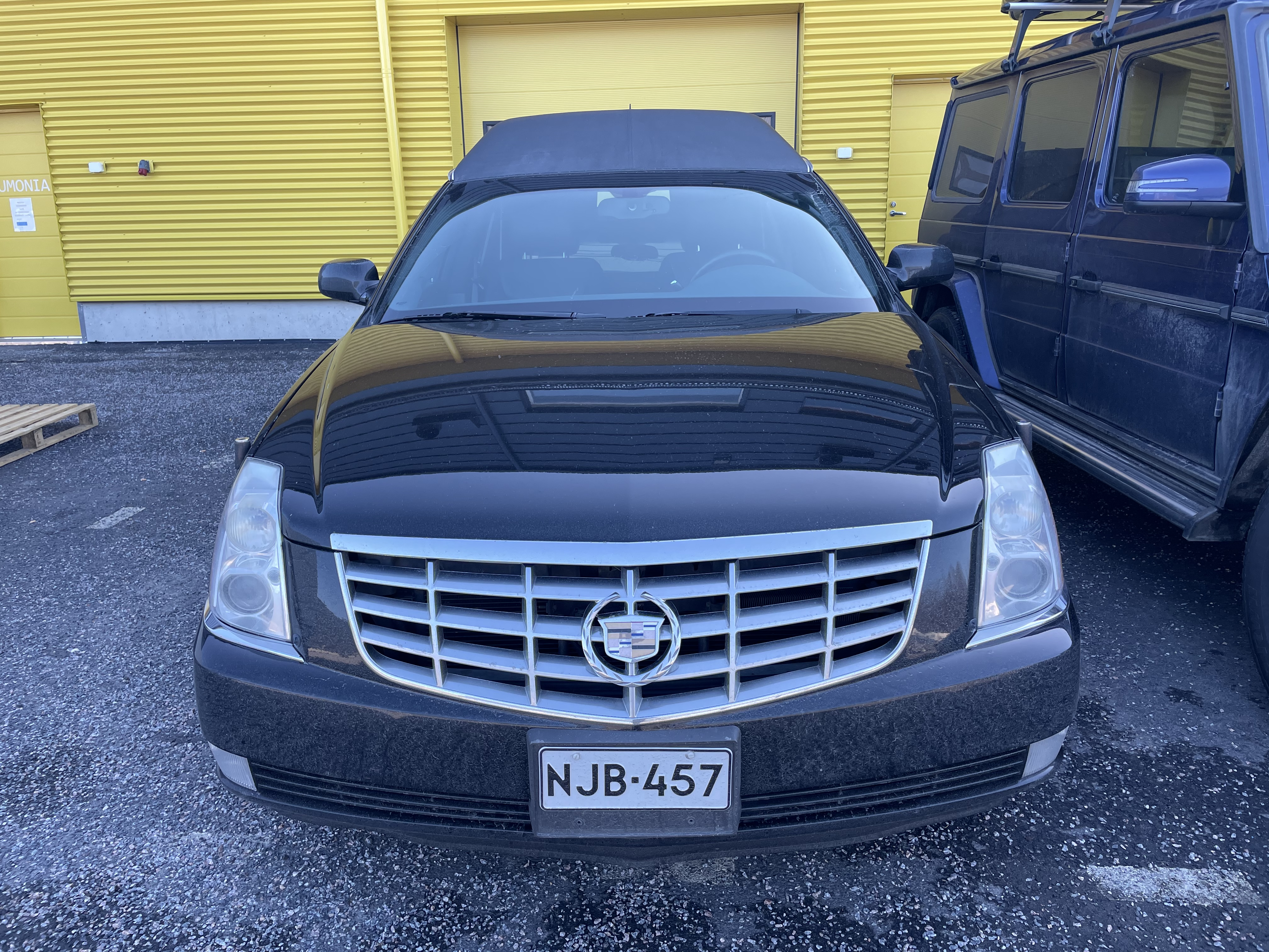 Cadillac DTS -Myyty-
