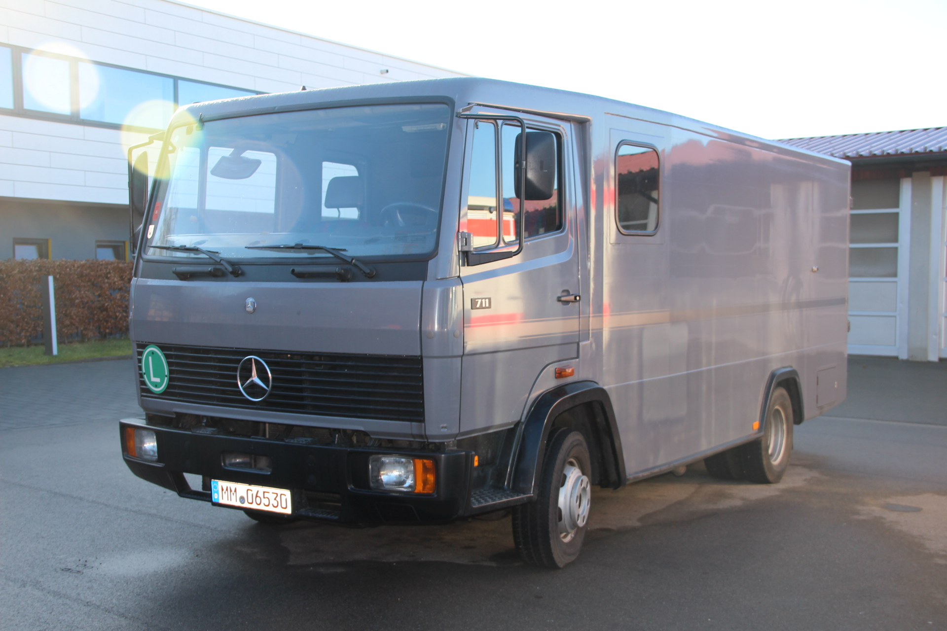 Mercedes Benz 711 *MYYTY*