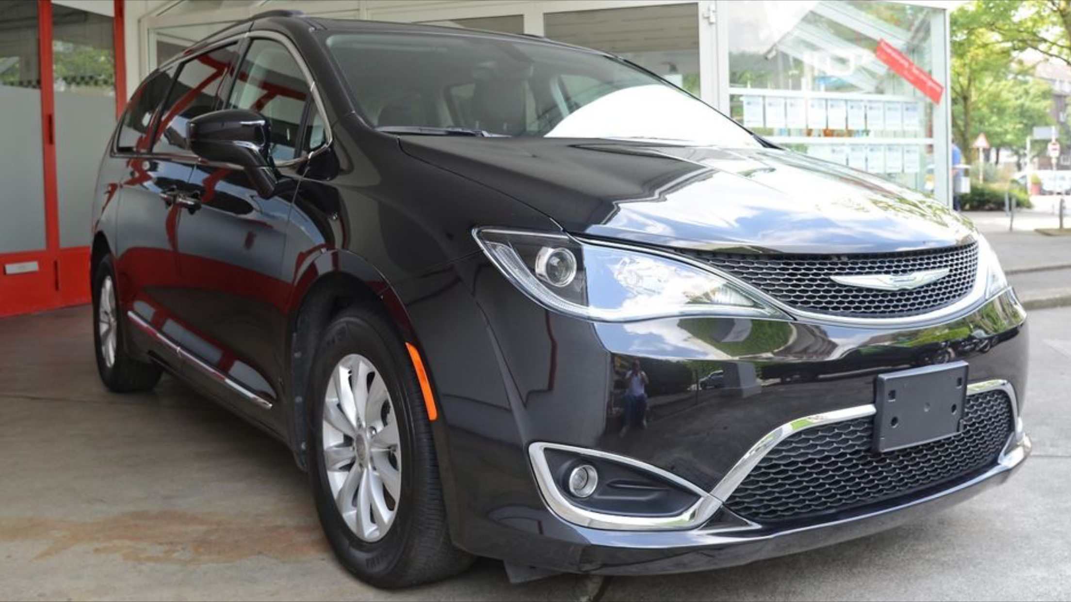 Chrysler Pacifica Touring *Myyty*